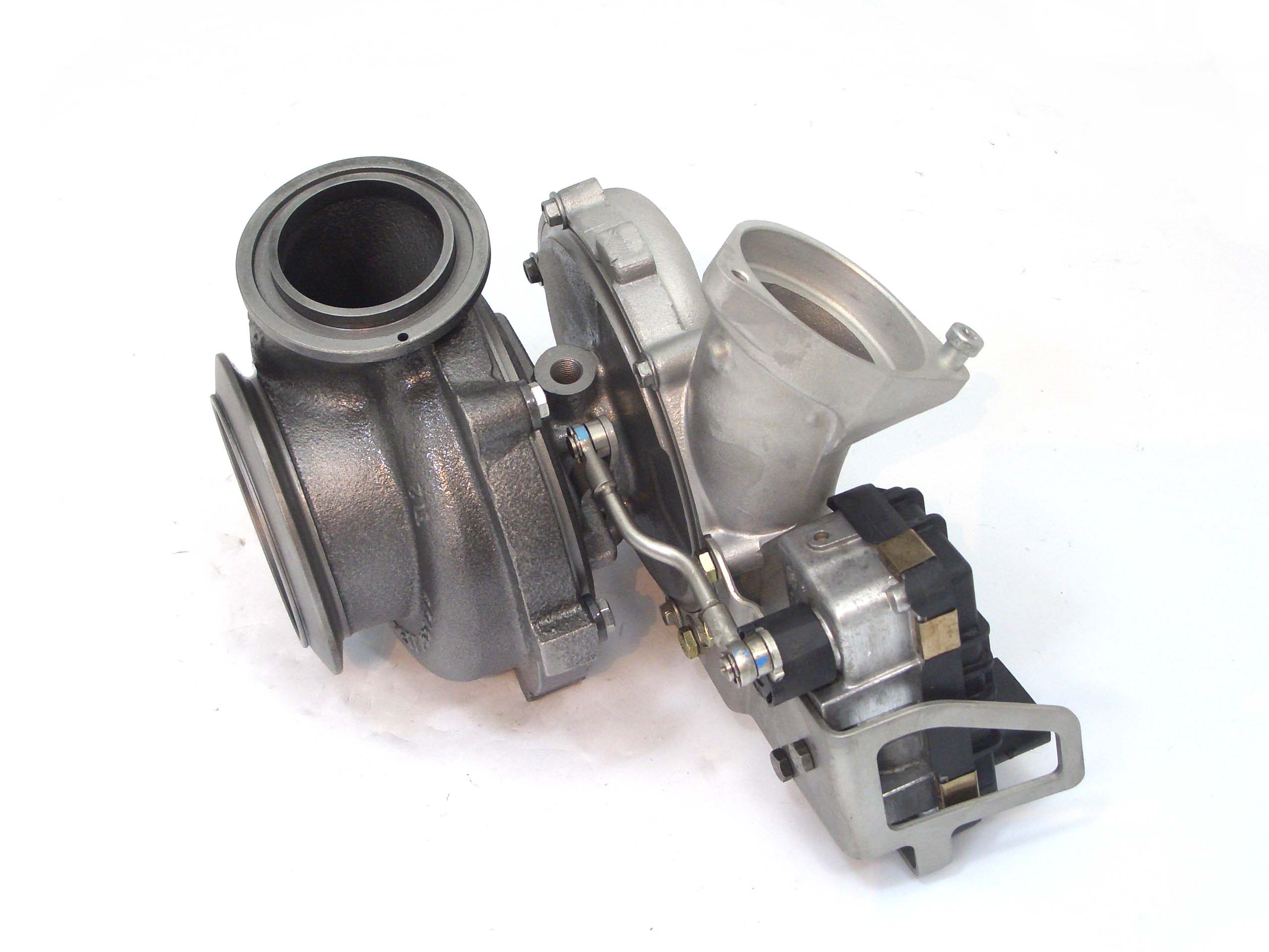 New Turbochargers: BMW 330d 3 0L Replacement Turbo GT2260V